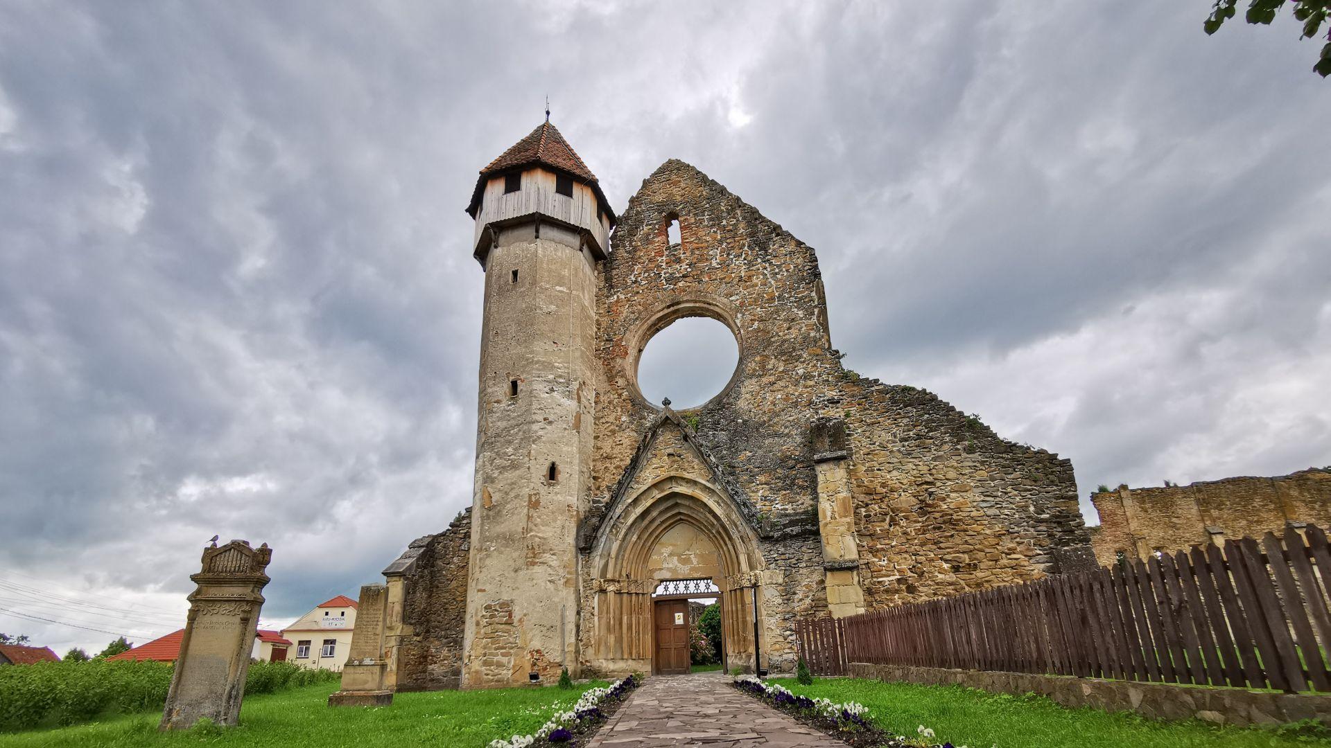 Mânăstirea Cârța, exterior
