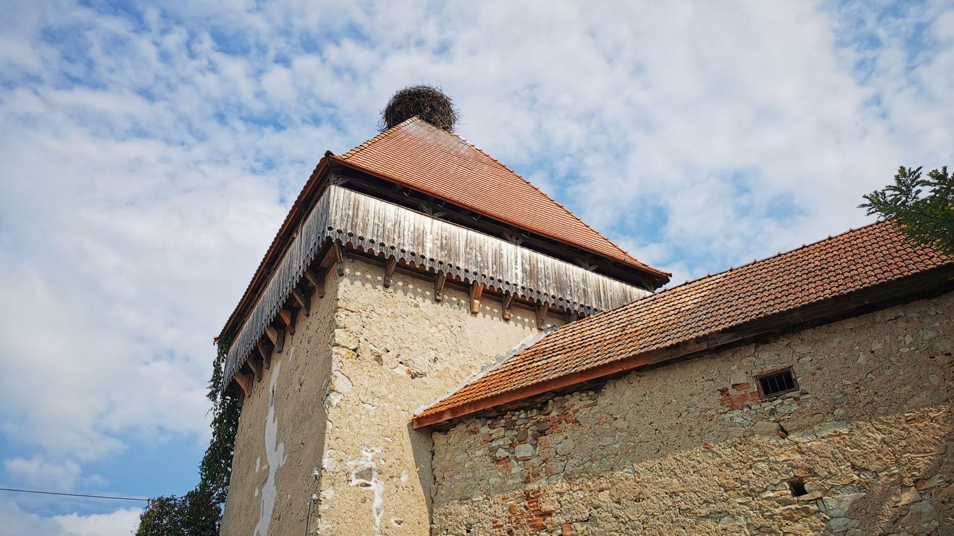 Biserica fortificată din Cața